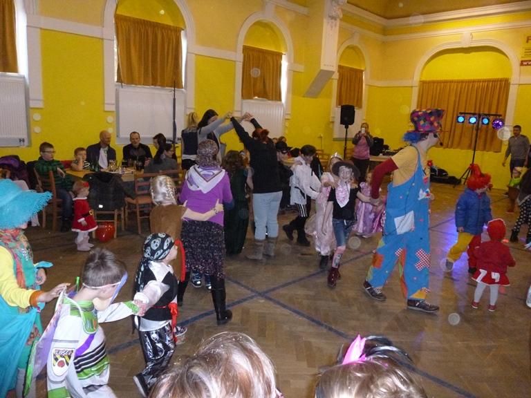 OBRÁZEK : karneval__2_.jpg